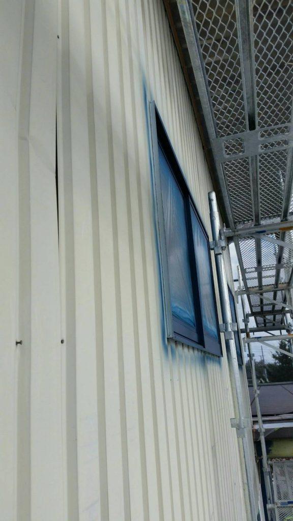坂戸市で店舗外部を吹付塗装する前の写真
